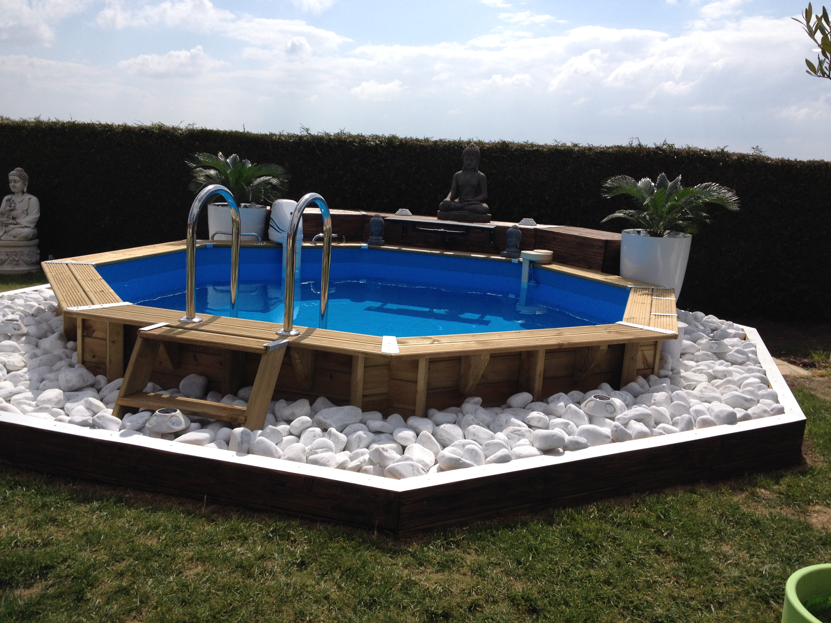Terrasse bois autour piscine hors sol cheap piscine for Piscine jacou