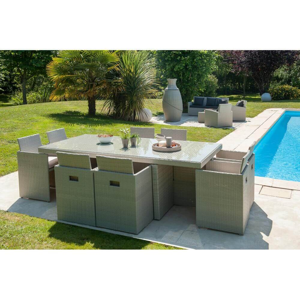 Ensemble repas 8 places en r sine tress e grise mypiscine for Table et chaise de jardin en resine tressee gris