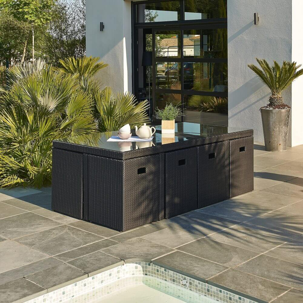 ensemble repas 8 places en r sine tress e noir mypiscine. Black Bedroom Furniture Sets. Home Design Ideas