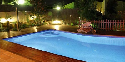 Projecteur led de couleur lumiplus pour piscine mypiscine for Astral piscine france